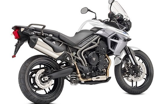 2017 Triumph Tiger 800 XR - motorcycle hire Barcelona