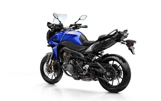2017 YAMAHA MT09 TRACER 900cc - Motorrad mieten Flughafen Mallorca