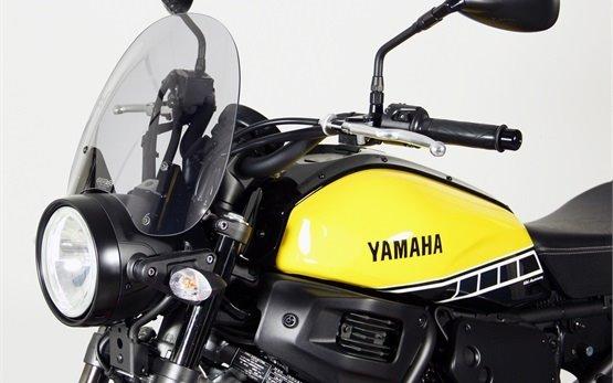 2017 Yamaha XSR 700 - alquiler de motos en Barcelona
