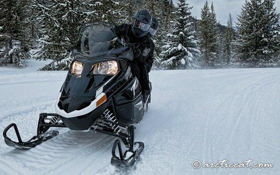 2012 Artic Cat T570 - viajes en motos de nieve