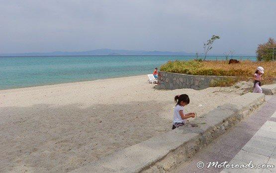 На плажа на Ханиоти - Халкидики