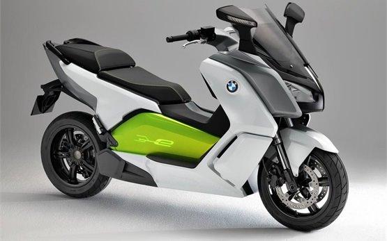 BMW C-evolution Electric скутер под наем в Париж Франция