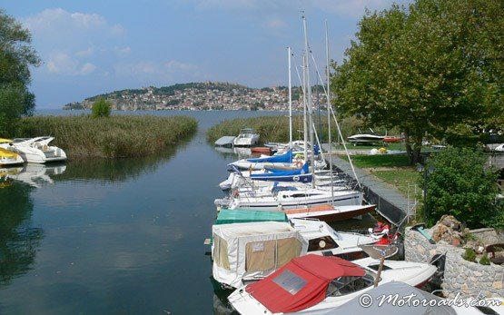 Лодки на озере Охрид