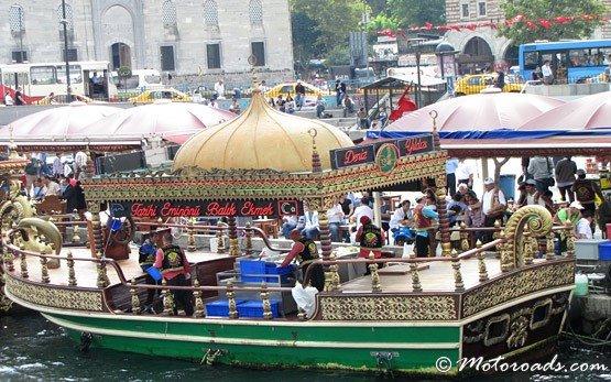 Золотой рог - лодки