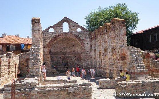 Руины церкви Старый город Несебр