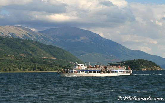 Круизен кораб - Охридското езеро