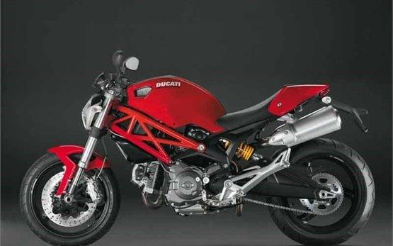 Дукати Монстер 696 - аренда мотоцикла Сплит