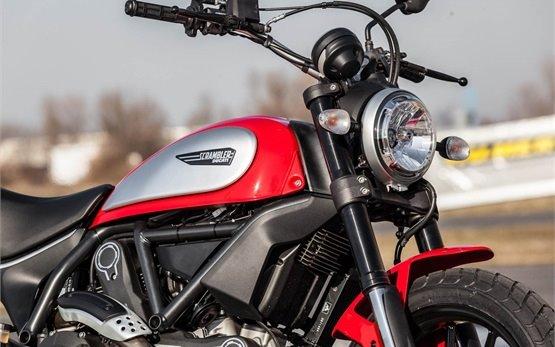 Ducati Scrambler Icon 803  - alquiler de motos en Barcelona