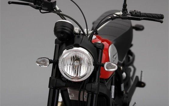 Ducati Scrambler Icon 803  - alquiler de motos en Roma