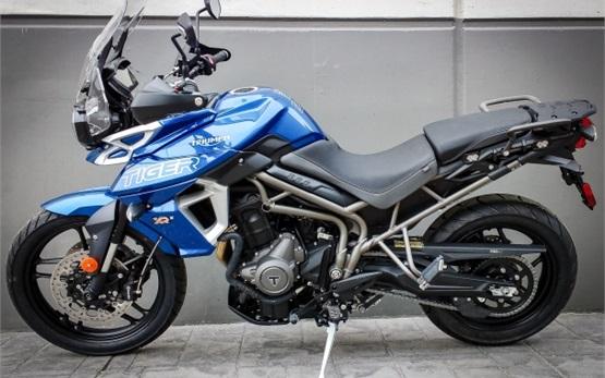 Triumph Tiger 800 XRx - alquiler de motocicletas en Malaga