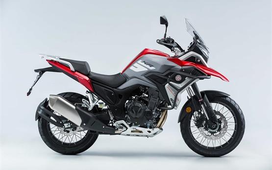 Macbor Montana XR5  - аренда мотоцикла Барселоне
