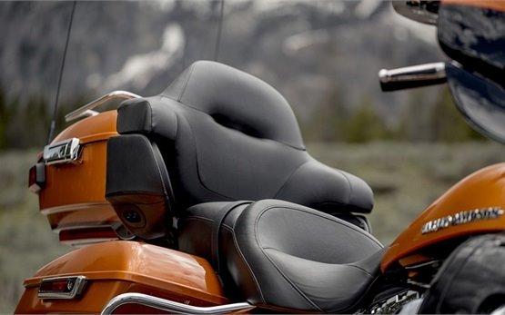 Harley-Davidson Electra Glide - alquiler de motocicletas en Italia