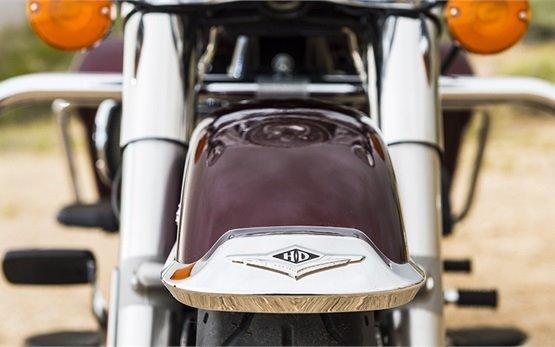 Harley-Davidson Road King - hire motorcycle Geneva