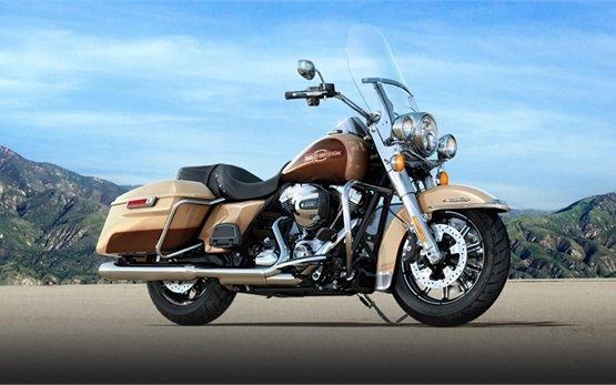 Harley-Davidson Road King - motorbike rental Geneva