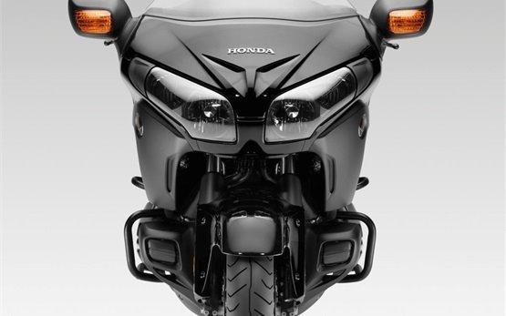 Honda Gold Wing - мотоцикл на прокат - Марсель Аэропорт