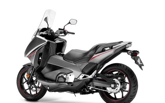 Honda Integra 750 DCT ABS - rent a bike  Lisbon Portugal