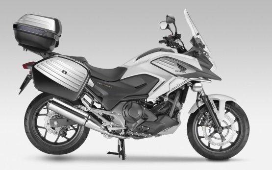 Honda NC750X - мотоцикл напрокат в Порту, Португалии