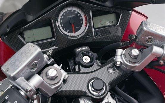 Honda VFR 800 - наем на мотор в Ница