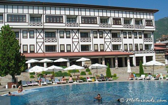Hotel, Devin