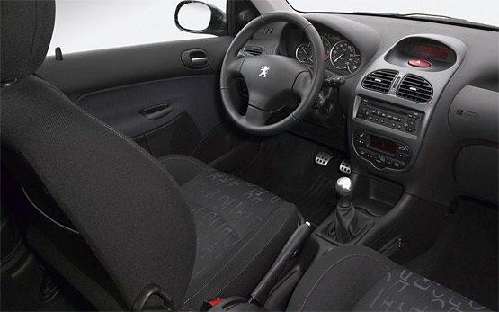 Интериор на купето » 2010 Пежо 206 1.4 PLUS