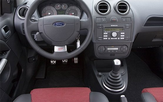 Салон » 2011 Форд Фиеста 1.4