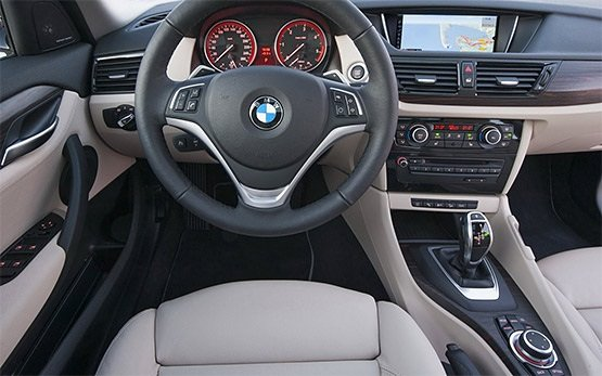 Interior » 2016 BMW X1 AUTO