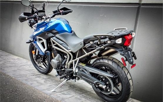 Triumph Tiger XRx 800 - alquilar una motocicleta en Malaga