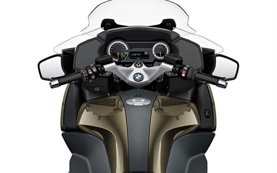 BMW R 1250 RT LC - Motorradverleih - Mailand Italien