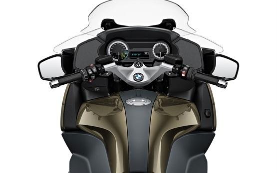 BMW R 1250 RT LC - аренда мотоциклов Рим Италия