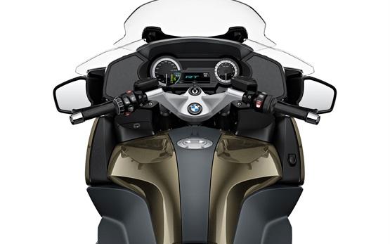 БМВ R 1250 RT - наем на мотоциклет в Испания