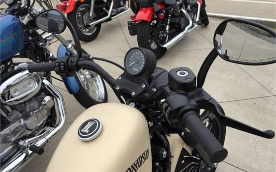 Харлей Дэвидсон Спортстер Iron 883 Харлей Дэвидсон XL 1200 T Superlow ABS - мотоциклa напрокат Кипр