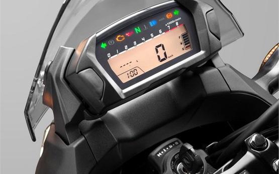Honda NC700X - alquilar una moto en Chipre