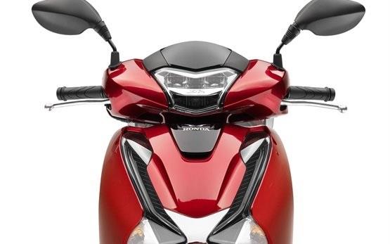 Honda SH 125 - наем на скутер в Сардиния - Алгеро