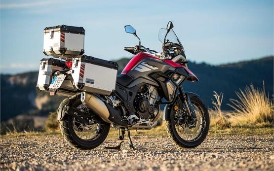 Macbor Montana XR5 - прокат мотоцикла Барселона