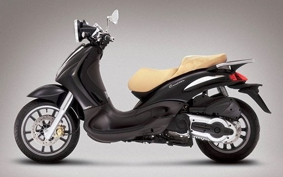 Piaggio Beverly 350cc rent a scooter Nice