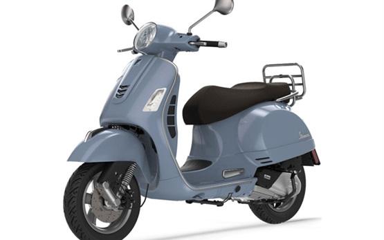 Piaggio Vespa 300 GTS - rent a scooter Milan