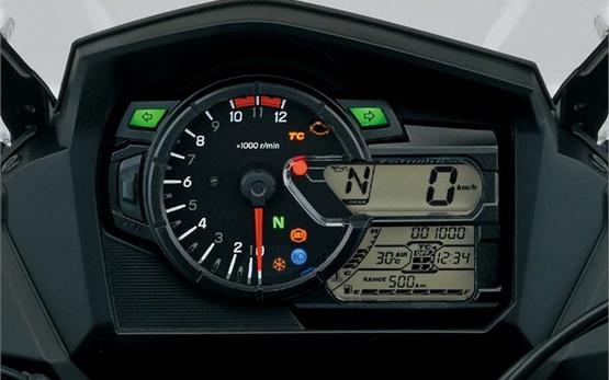 Suzuki V-Strom 650 ABS - Motorradverleih Bulgarien