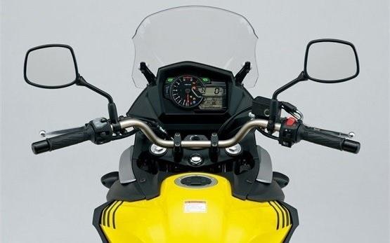 Сузуки В-Стром 650cc прокат мотоцикла Сплит