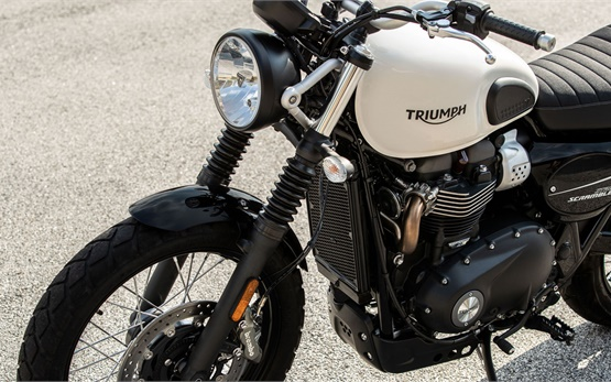Triumph Street Scrambler 900 - мотор под наем Испания