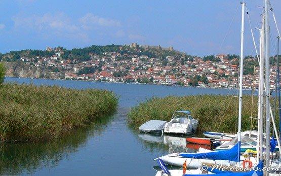 Изглед от Охридското езеро