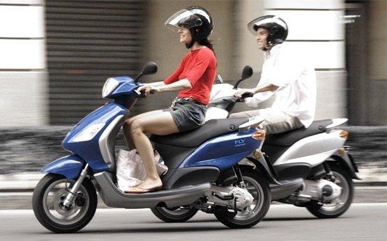 Пьяджио Флай 100 - аренда скутера Санорини