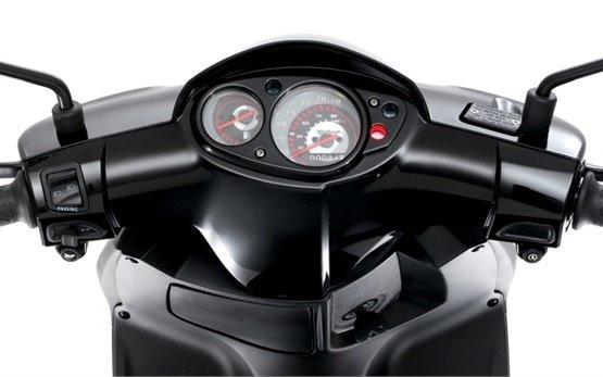 Пьяджио Typhoon 125cc- скутер на прокат Санорини