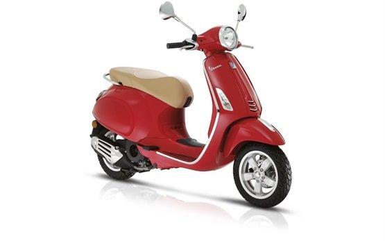 Пьяджио Веспа 50cc аренда скутеров Барселоне