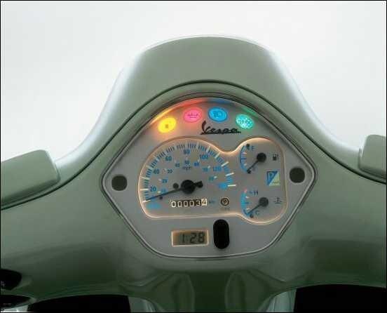 Пьяджио Веспа GT 200 - скутеры напрокат в Порту