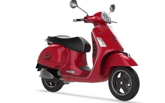Пьяджио Веспа GTS - прокат скутеров в Флоренции