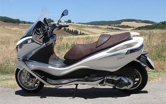 2015 piaggio x10 350cc scooter rental in milan italy. Black Bedroom Furniture Sets. Home Design Ideas