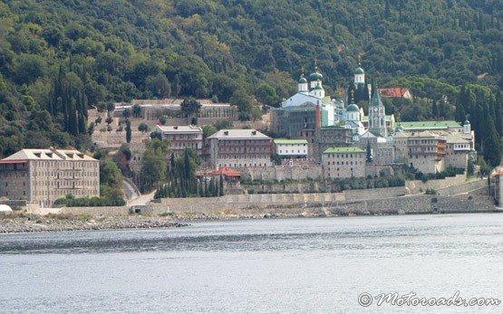 Монастырь недалеко Уранаполиса