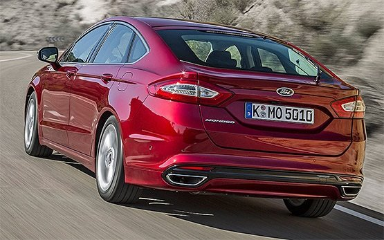 Rear view » 2016 Ford Mondeo AUTO