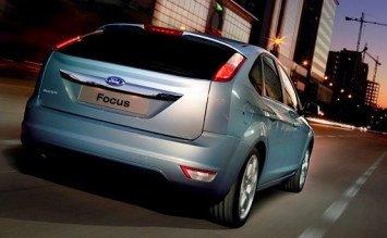 Вид сзади -  2011 Форд Фокус 1.4
