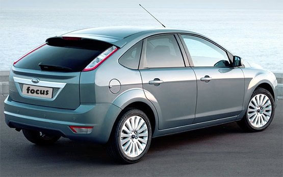 Rear view -  2011 Ford Focus 1.6 i